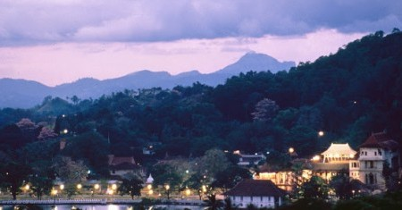 Kandy-city-columbus-tours-cabin-crew-id90-sri-lanka-crewconnected