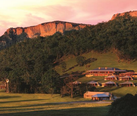 Emirates-Wolgan-Valley-Resort-Spa-id90-crew-cabin2