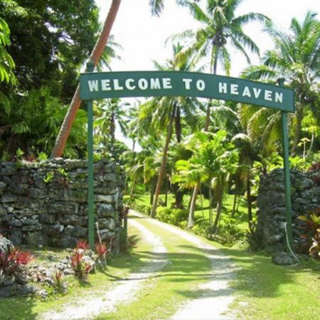 Lomalagi-Resort-id90-cabin-crew5