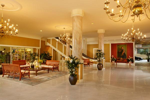 Queen Kapiolani Hotel Restaurant Menu