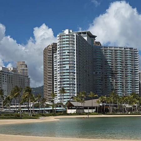 Ilikai_Hotel_ Waikiki_Beach_Crew_Conected_12