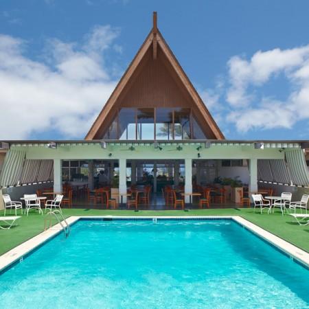 maui_beach_hotel_ocean_cabin_crew_112