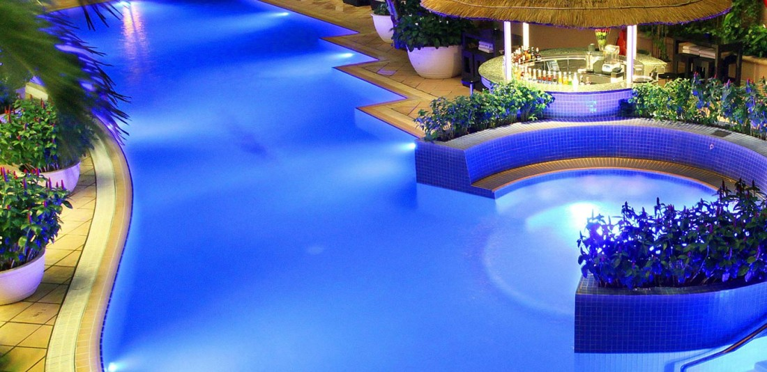 Ho chi minh airline staff romantic city break for Agus hotel swimming pool rates