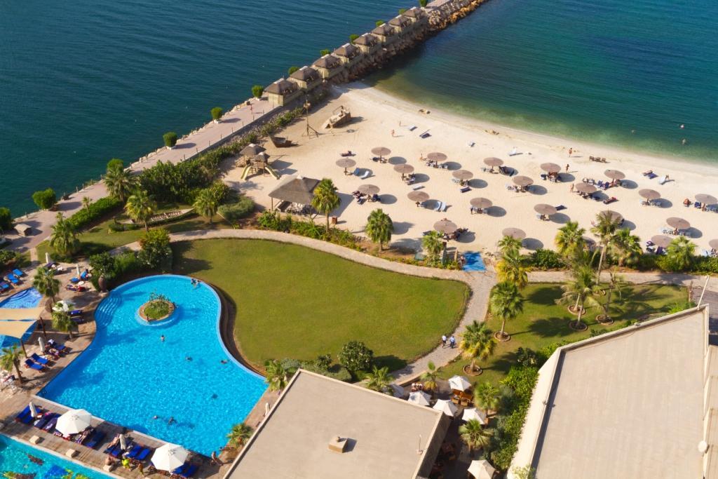 Airline cabin crew jobs united arab emirates - Radisson blu sharjah swimming pool ...