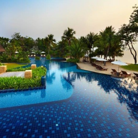 Beachfront Pool View