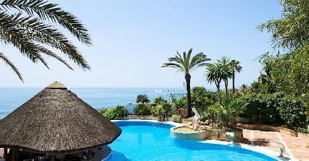 El_Oceano_Beach_Hotel_crewconnected_pool_cabin_crew_id90