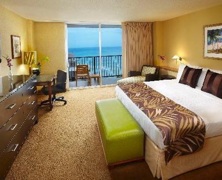 Waikiki_Resort_Hotel_Crewconnected3
