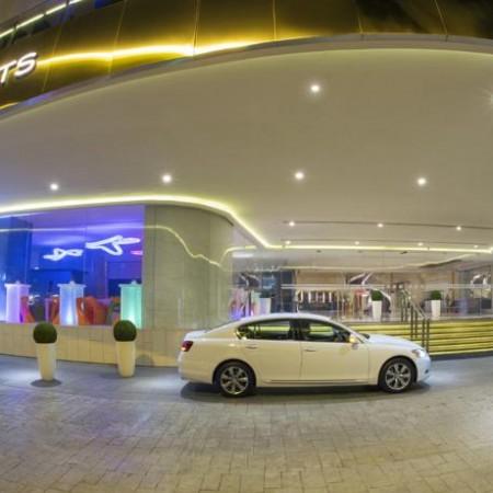 royal-plaza-on-scotts_airline_staff_myidtravel_singapore_12