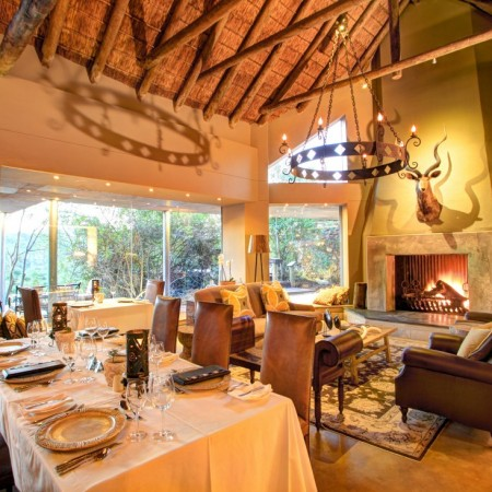 Main-lodge-dining-room-fireplace