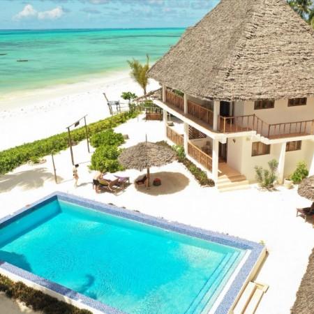 Zanzibar_Flight_Deck_cabin_Crew_Crewconnected_1