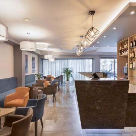 Lobby - Bar Area